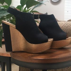 Two- tone Wedges